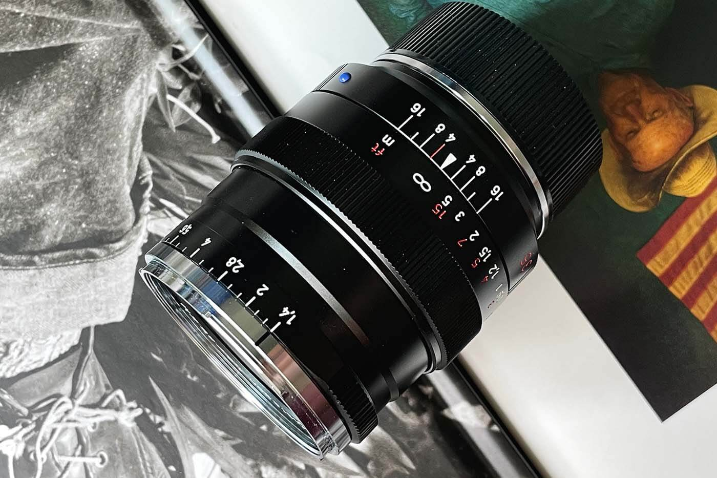 Lens-review-zeiss-distagon-35mm-f1.4-35-1.4-zm-m-mount-leica-wide-angle-street-character-optics-optical-barrel-construct-build-quality-top