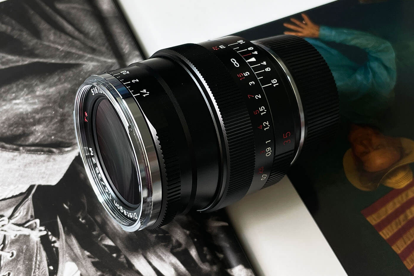 Lens-review-zeiss-distagon-35mm-f1.4-35-1.4-zm-m-mount-leica-wide-angle-street-character-optics-optical-barrel-construct-build-quality